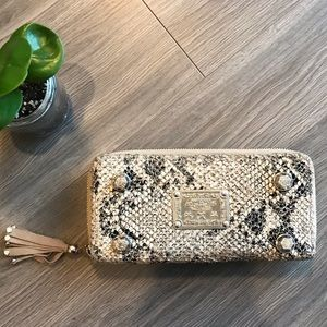 Vintage 1950's stamped clutch purse mint condition